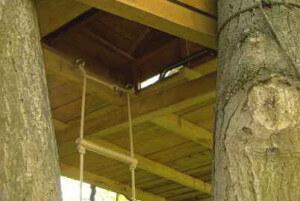 Baumhaus Einstiegsluke