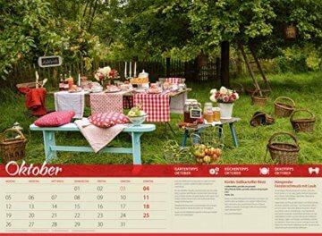 Landliebe 2020, Wandkalender im Querformat (45x33 cm) - Gartenkalender / Landleben mit Tipps zu Garten, Küche und Dekoration mit Monatskalendarium - 11