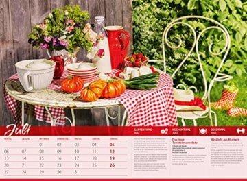 Landliebe 2020, Wandkalender im Querformat (45x33 cm) - Gartenkalender / Landleben mit Tipps zu Garten, Küche und Dekoration mit Monatskalendarium - 8