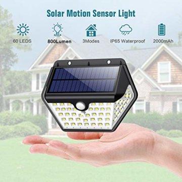 Solarlampen für Außen mit Bewegungsmelder,【2019 Neuestes Modell 60 LED-800 Lumen】iPosible Solarleuchte Aussen 2000mAh Solar Wasserdichte Wandleuchte Solar Aussenleuchte Solarlicht für Garten- 4 Stück - 2